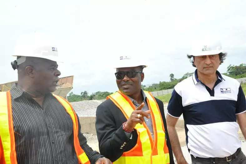 L-R: Engr. Ndubuisi Nwankwo, AGMC Port (mta); Chief Mike Ajayi, GM, Western Port; and Ashif Juma, MD/CEO, AG-Dangote Construction company during inspection of AG – Dangote concrete road construction at Itori – Ibese Road, Ogun State by Nigeria Port Authority and Federal Ministry of Works - See more at: http://www.naijaconcord.com.ng/2016/05/hope-rises-for-failed-wharf-apapa-road-as-stake-holders-recommend-concrete-pavement-to-fix-it.html#sthash.cIe71kn8.dpuf