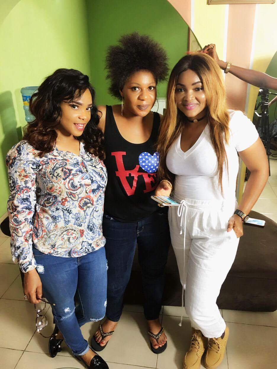 Lola Faduri on set of IfeOdale with   Iyabo Ojo and Mercy Aigbe. The Octopus News
